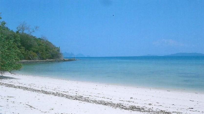 Koh Naka Yai Land Plot - White sandy beach
